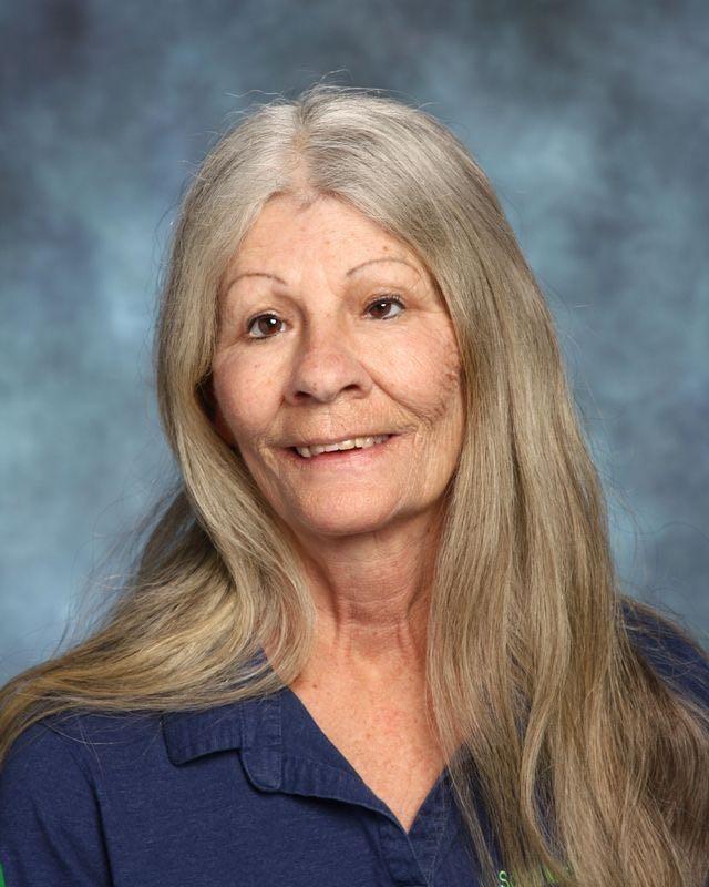 Cynthia Ennis, Food Service Worker
