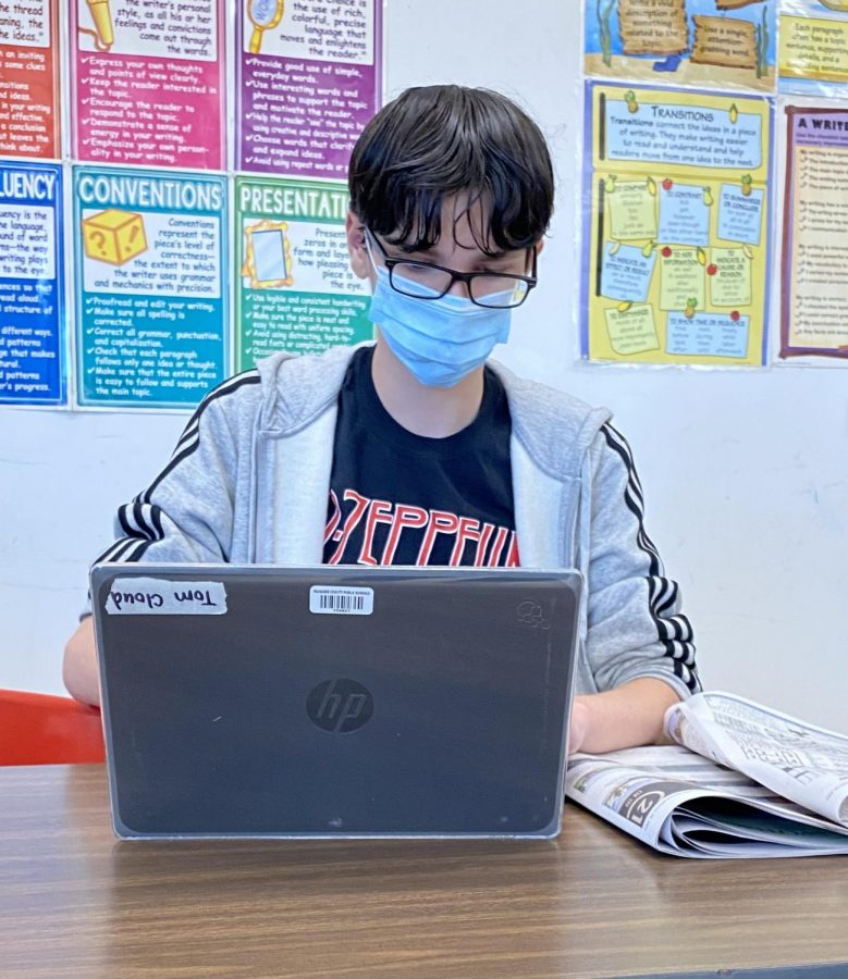 Students+complete+assignments+in+class+using+their+individual+Chromebooks.
